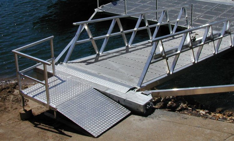 Ramps Gangways And Walkways Marine Dock Systems Mds